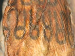 ¿Son los Tatuajes y piercings, modas «importadas» por las nuevas generaciones?